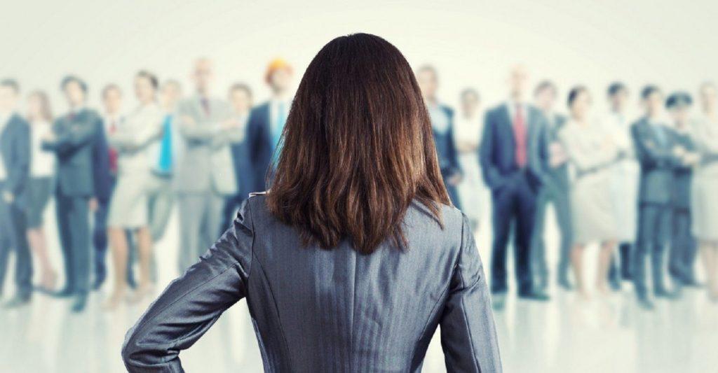 Para as mulheres chegarem ao topo, as empresas precisam mudar