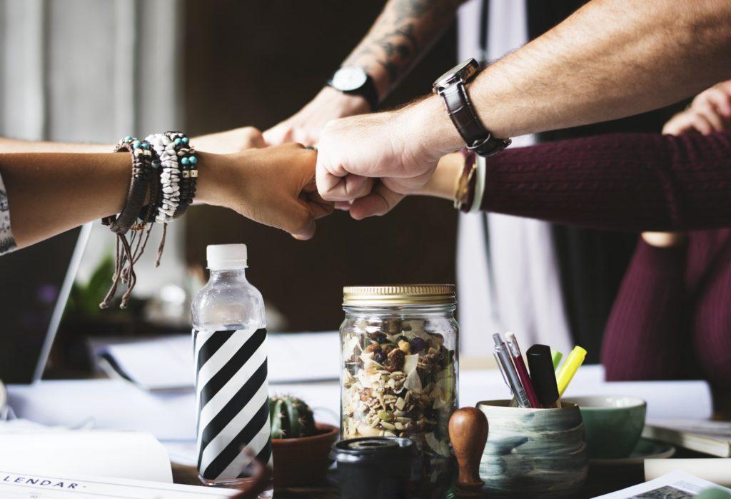 Como lidar com a promoção e liderar bem seus colegas?