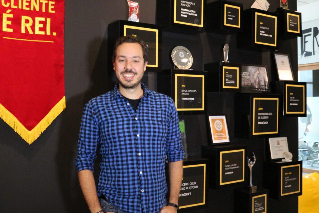 Dasein entrevista: Gustavo Caetano